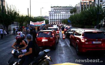 Κίνηση τώρα: Χάος στους δρόμους της Αθήνας - Μεγάλο μποτιλιάρισμα λόγω της πορείας των καλλιτεχνών