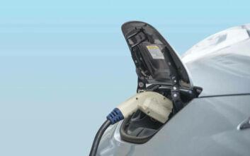Το 1/3 όλων των νέων πωλήσεων αυτοκινήτων παγκοσμίως θα αφορούν ηλεκτρικά