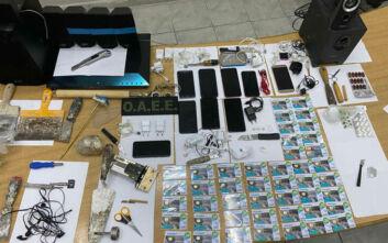 «Λαβράκι» σε έρευνα στις φυλακές Κορυδαλλού: Αυτοσχέδια μαχαίρια, κατσαβίδια, σουβλί, ναρκωτικά και κινητά τηλέφωνα