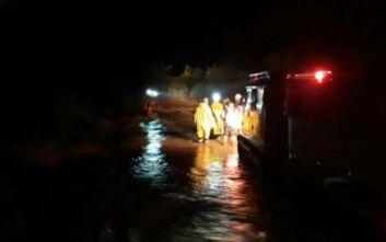 Κακοκαιρία Ιανός: Χιλιάδες κλήσεις στην Πυροσβεστική – Πάνω από 600 διασώσεις σε όλη τη χώρα