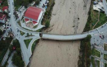 Συγκλονιστικό βίντεο από τις καταστροφές που προκάλεσε η κακοκαιρία Ιανός στο Μουζάκι