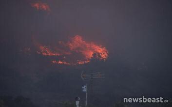 Φωτιά σε Ανάβυσσο - Κερατέα: Σε ύφεση η πυρκαγιά - Όλη τη νύχτα σε επαγρύπνηση η πυροσβεστική