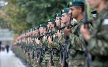 Τα δύο σενάρια που μελετά το υπουργείο Εθνικής Άμυνας για την αύξηση της στρατιωτικής θητείας