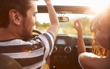 Τα ιδανικά τραγούδια που πρέπει να ακούμε όταν οδηγάμε για να μην κάνουμε λάθη