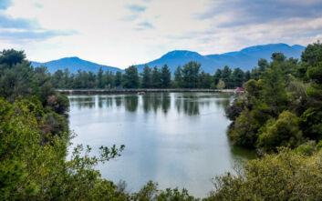 Η λίμνη Μπελέτσι είναι μία όαση στις παρυφές της Πάρνηθας