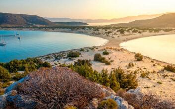 Παραλία στην Ελαφόνησο στις 10 καλύτερες της Ελλάδας