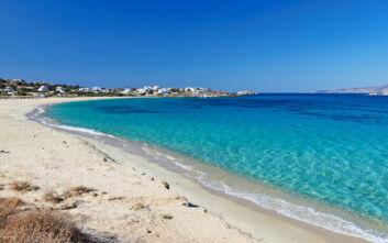 Μικρή Βίγλα: Η παραλία της Νάξου για όσους λατρεύουν την περιπέτεια
