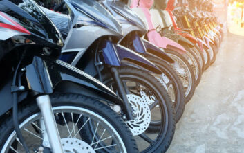 Το αλαλούμ με την άδεια οδήγησης δικύκλων έως 125 κυβικά και η απάντηση του Υπ. Μεταφορών