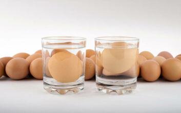 Το κόλπο για να καταλάβεις αν είναι φρέσκο το αυγό