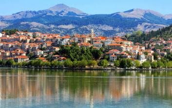 Υπέροχες εικόνες από τη λίμνη της Καστοριάς