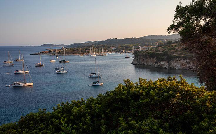 Η μικρότερη κατοικημένη νησίδα των Επτανήσων συναρπάζει με τη φυσική ομορφιά της