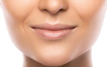 Το σωστό μακιγιάζ για να κρύψετε τις ρυτίδες γέλιου