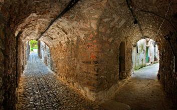 Το μεσαιωνικό χωριό της Χίου που μοιάζει με λαβύρινθο