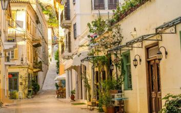 Βόλτα στην Παλιά Πόλη της Πελοποννήσου που ταξιδεύει στη Νότια Ιταλία