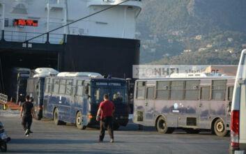 Καζάνι που βράζει η Λέσβος μετά την καταστροφική φωτιά στο ΚΥΤ Μόριας - Κλούβες, αύρες και περιπολικά στο νησί