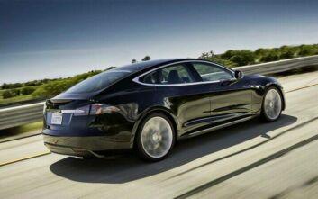 Οδηγός Tesla κοιμόταν την ώρα που έτρεχε με 140 χλμ/ώρα