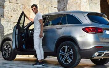 Σάκης Ρουβάς: Η διαφήμιση αυτοκινήτου στο Ηρώδειο και η συγγνώμη