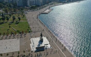 Απίστευτες ουρές στη Θεσσαλονίκη για τα rapid tests - Τι δείχνουν τα πρώτα αποτελέσματα