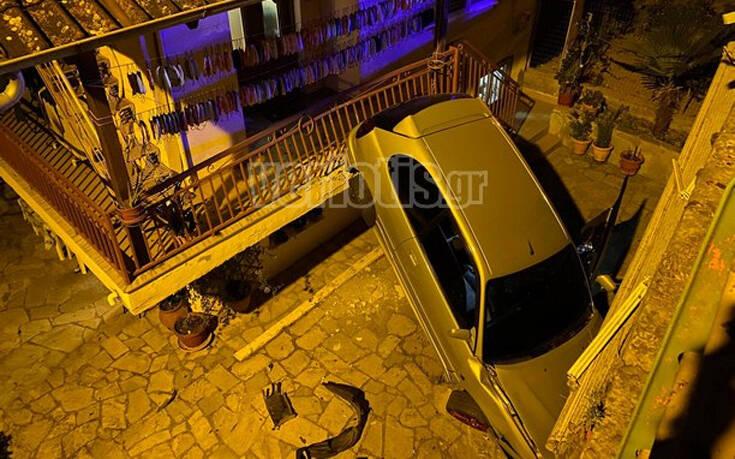 Βέροια: Αυτοκίνητο «πέταξε» και προσγειώθηκε σε αυλή σπιτιού 13