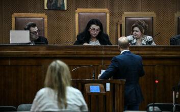Δίκη Χρυσής Αυγής: Την αναστολή εκτέλεσης της ποινής ζητεί και η αστυνομικός Βενετία Πόπορη