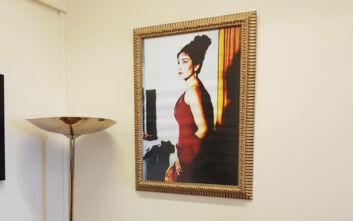 Τεράστιο πορτρέτο της Μαρίας Κάλλας στο γραφείο του Νικήτα Κακλαμάνη