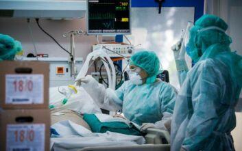 Ασφυκτική η πίεση στα νοσοκομεία - Πάνω από 1.100 κρούσματα σε Θεσσαλονίκη και Αττική