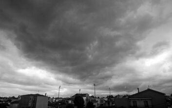 Καιρός: Βροχές, καταιγίδες και χαλαζοπτώσεις - Σε ισχύ το έκτακτο δελτίο επιδείνωσης