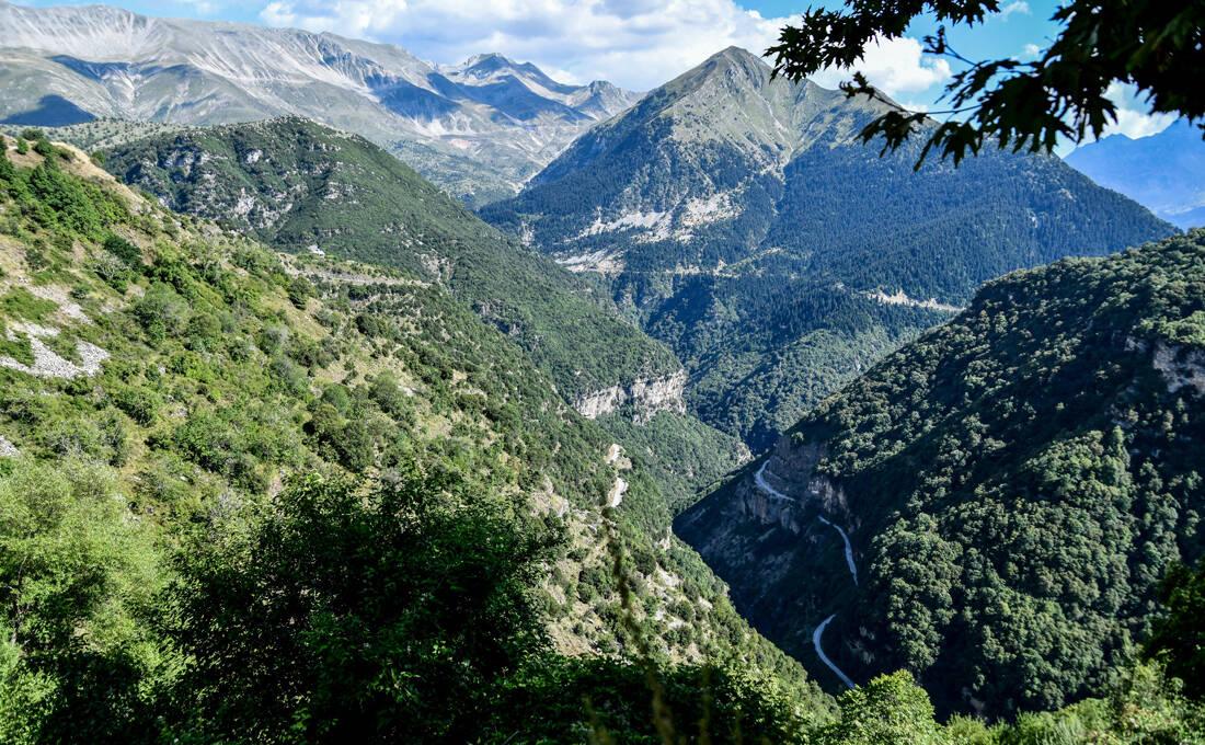 Το χωριό του Bulgari είναι «φωλιασμένο» στη αγκαλιά της Πίνδου