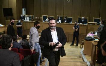 Χρυσή Αυγή: Το δικαστήριο διέκοψε για να αποφασίσει για το αίτημα του Γιάννη Λαγού