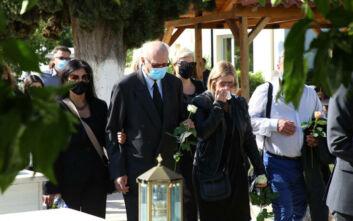 Τελευταίο αντίο στον Κώστα Μπατή - Συντετριμμένη η οικογένειά του