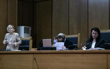 Χρυσή Αυγή: Η δίκη διεκόπη για αύριο στις 11 το πρωί - Προκλητική δήλωση από τον συνήγορο του Μιχαλολιάκου