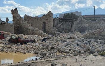 Σάμος και Σμύρνη μετρούν τις πληγές τους μετά τον ισχυρό σεισμό