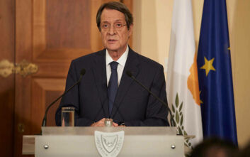 Χρυσά διαβατήρια στην Κύπρο: Ο Αναστασιάδης δεν παραιτείται από την προεδρία
