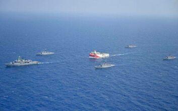 Ελληνικά και τουρκικά πλοία γύρω από το Oruc Reis