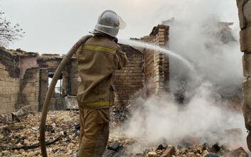 «Μάχη» για την κατάσβεση της φωτιάς σε αποθήκη πυρομαχικών στη Ρωσία - Τραυματίστηκαν 6 άνθρωποι