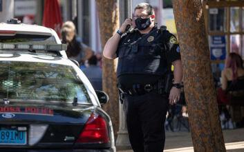 Λευκός αστυνομικός κατηγορείται για τη δολοφονία ενός Αφροαεμερικανού στο Τέξας