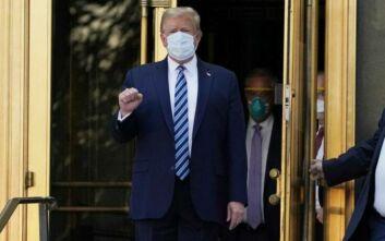 Βγήκε από το νοσοκομείο ο Τραμπ και επέστρεψε στο Λευκό Οίκο