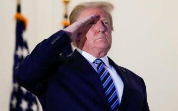 Δεν βάζει μυαλό ο Ντόναλντ Τραμπ: Τι γρίπη, τι κορονοϊός - Θα κλείσουμε τη χώρα μας;