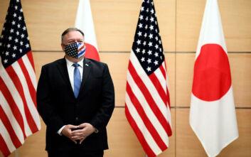 Στην Ιαπωνία ο Μάικ Πομπέο - Εξαπέλυσε επίθεση κατά της Κίνας