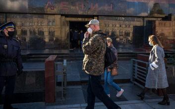 «Όχι» στο κλείσιμο των μπαρ και των εστιατορίων μετά τις 23:00 λέει η Μόσχα παρά τις συστάσεις των ειδικών