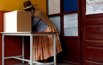 «Διαφανείς» και «ελεύθερες» οι εκλογές στη Βολιβία