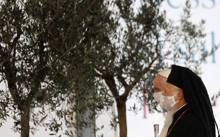 Μήνυμα Βαρθολομαίου από τη Ρώμη: Προσευχήθηκε με τον πάπα Φραγκίσκο για ειρήνη και αδελφοσύνη