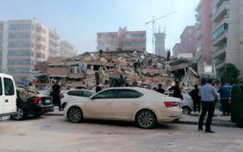Σεισμός στη Σάμο: Φόβοι για νεκρούς στην Τουρκία - Δεκάδες εγκλωβισμένοι σε κτίρια στη Σμύρνη