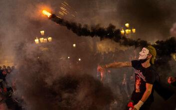 Νέο υψηλό ρεκόρ κρουσμάτων στην Ισπανία με 25.595 νέα περιστατικά - Συγκρούσεις στην Βαρκελώνη