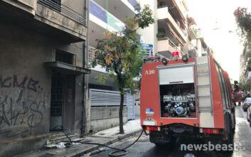 Εικόνες από το κτίριο που πήρε φωτιά στα Πατήσια