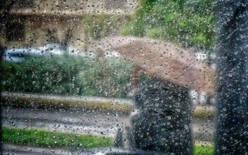 Καιρός: Βροχές, καταιγίδες και πτώση της θερμοκρασίας - Σε ισχύ μέχρι την Πέμπτη το έκτακτο δελτίο