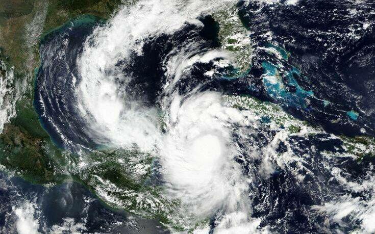 Με ανέμους 195 χιλιομέτρων πλησιάζει το Μεξικό ο κυκλώνας Δέλτα