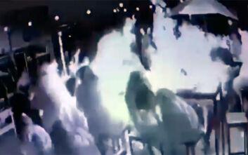 Η σοκαριστική στιγμή που σόμπα σε μπαρ εκρήγνυται και σκοτώνει 19χρονη