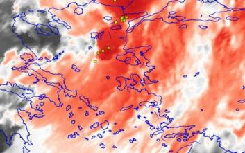Καιρός: Διασχίζει τη χώρα το ψυχρό μέτωπο - Ισχυρά φαινόμενα στα βορειοανατολικά