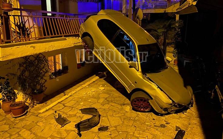 Βέροια: Αυτοκίνητο «πέταξε» και προσγειώθηκε σε αυλή σπιτιού 16